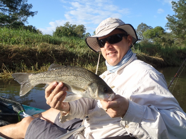 First quality bass (40cm) for the morning that fell to a spinnerbait
